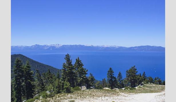 Diamond Peak - mountain webcam